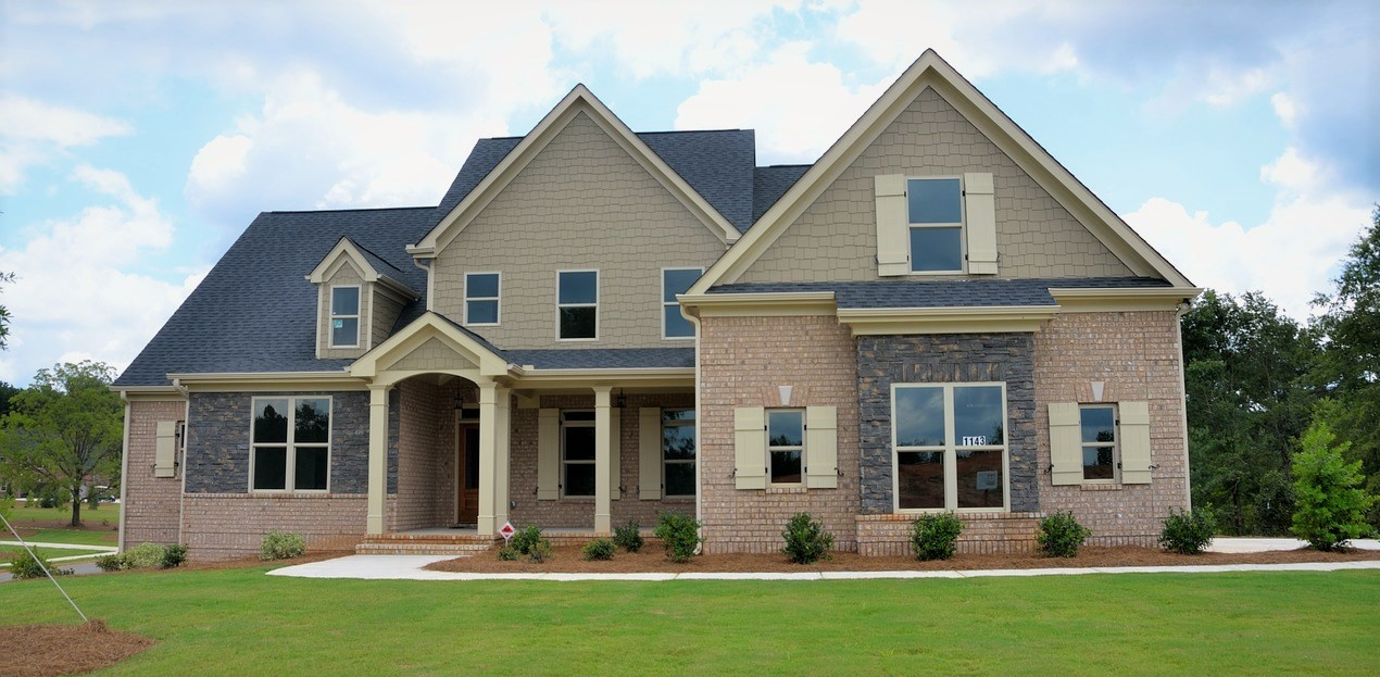 Living In Extreme Cold Weather? Utilize These 3 Ideal Roofing Materials